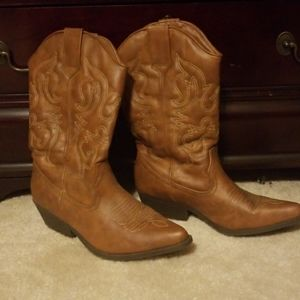 Cowboy boots Just Fab size 9